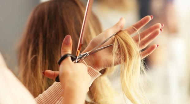 Dobry fryzjer jak psychoterapeuta. Ale umiejętności techniczne to podstawa