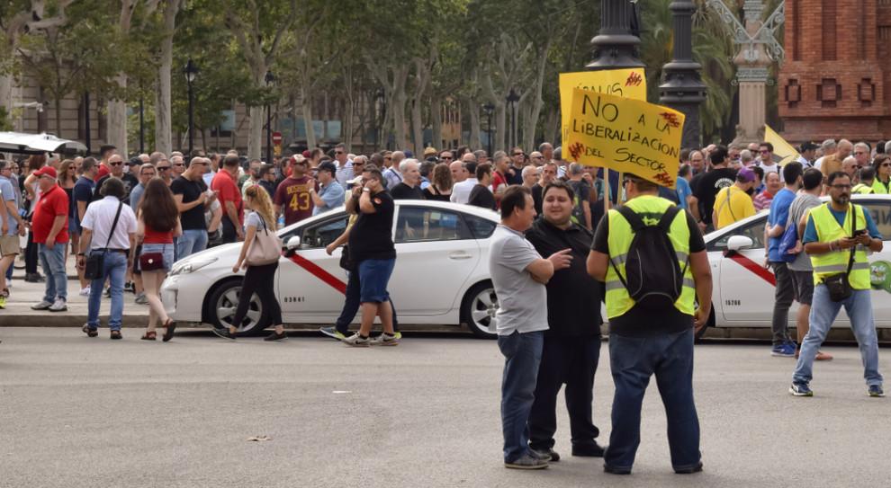 Hiszpańscy taksówkarze wygrali. Rząd ograniczy działalność Ubera czy Cabify