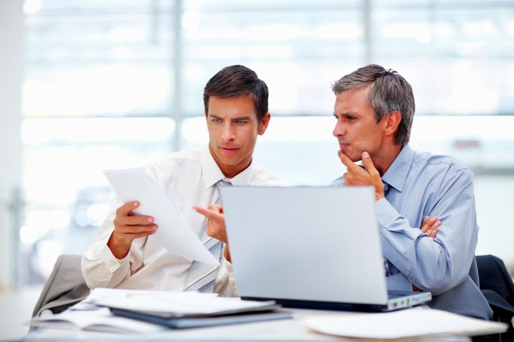 Różnica wynagrodzeń pomiędzy juniorami a starszymi pracownikami zawsze powinna być większa (fot. shutterstock)
