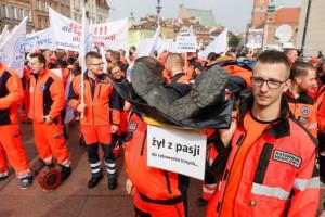 Ratownicy chcą zarabiać nie mniej niż 4095 zł. Piszą do ministra