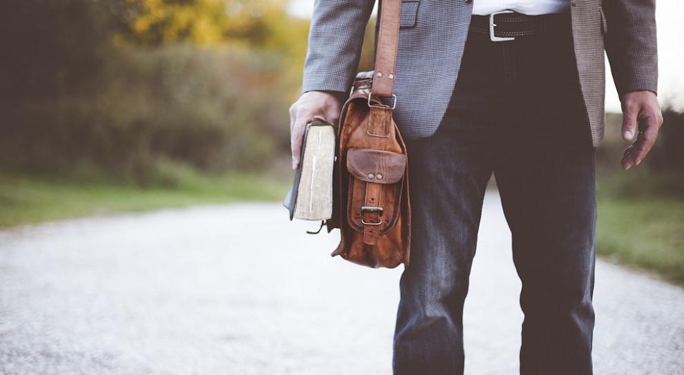 Krosno Odrzańskie: nauczyciel oskarżony o molestowanie seksualne uczennic