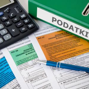 """MF: zwolnienie z PIT stypendiów w programie """"Erasmus+"""""""