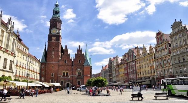 Sierpniowy długi weekend? Polacy stawiają na city break