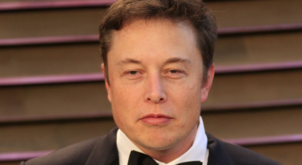 Udziałowcy Tesli pozywają Elona Muska