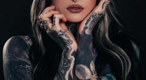 Tatuaże już nie wpływają na karierę