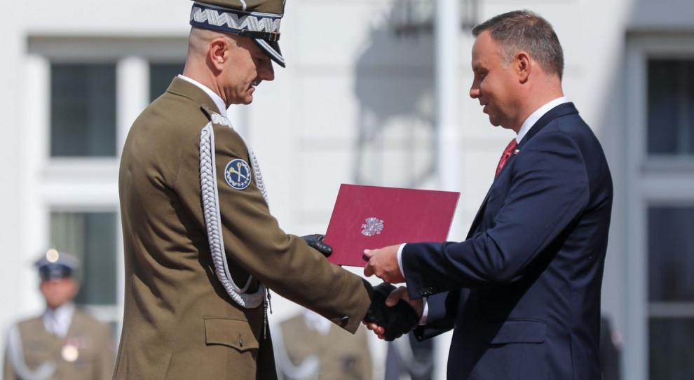 Prezydent Duda wręczył nominacje generalskie. Gen. R. Andrzejczak naczelnym dowódcą na czas wojny