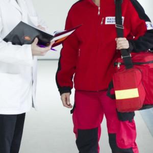 Wiceminister zdrowia spotkała się z ratownikami medycznymi. Co ustalono?