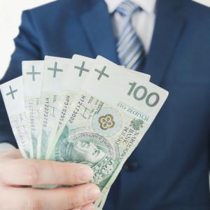 Wynagrodzenie w przedsiębiorstwach znów w górę. GUS podał najnowsze dane