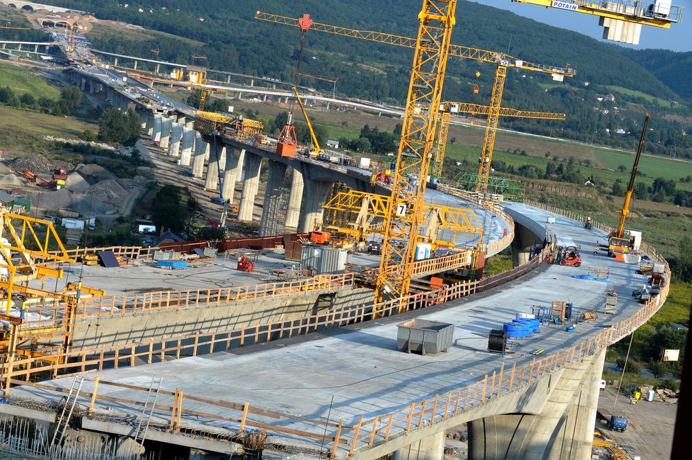 Branża budowlana to jedna z wielu, która ma problem z brakiem inżynierów. (fot. Shutterstock)