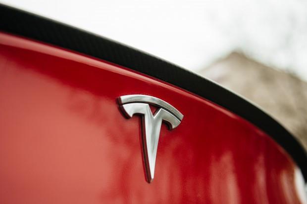 Tesla szpieguje swoich pracowników?