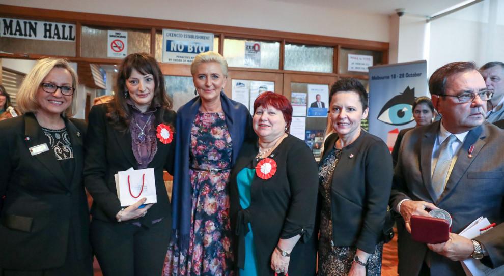 Pierwsza dama spotkała się z nauczycielami i dzićmi w Domu Polskim w Australii