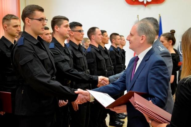 Krytyczna sytuacja kadrowa w służbach mundurowych