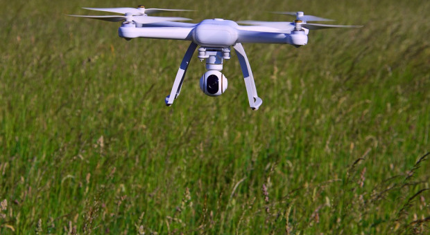 Brak młodych rolników coraz większym problemem. Z pomocą przyjdą... drony