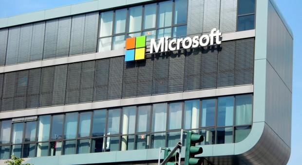 Afera na Węgrzech. Microsoft zwalnia czterech pracowników i zrywa współpracę z partnerami biznesowymi