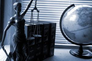 Prokuratura zawiesiła w wykonywaniu zawodu pięciu notariuszy