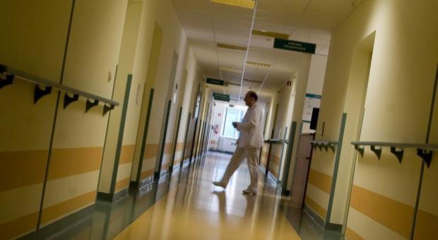 Szpital w Wadowicach ma problemy kadrowe. Ważą się losy placówki