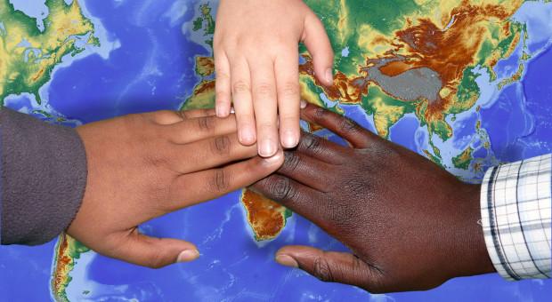 Afryka. Pracownicy o białym kolorze skóry protestują. Twierdzą, że są dyskryminowani
