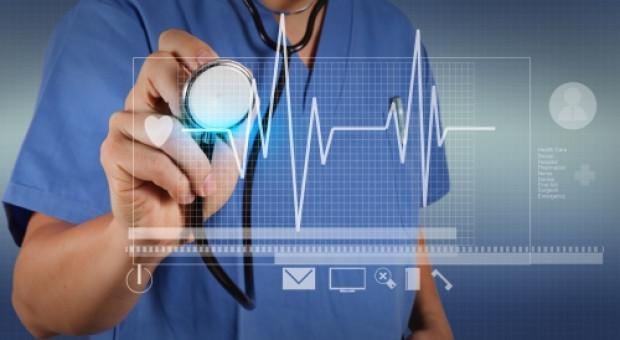 Przyspiesza cyfrowa rewolucja w opiece medycznej