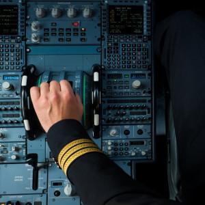 Linie lotnicze biją rekordy w długości lotów. Co na to piloci?