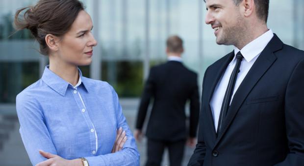 Różnice wynagrodzeń między kobietami i mężczyznami to przepaść