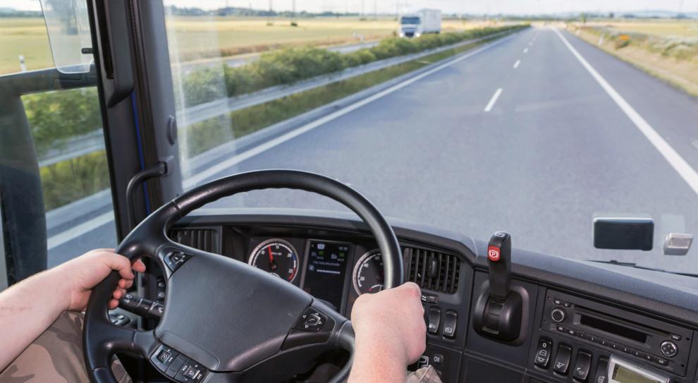 Co może, a co musi polski kierowca? Na te pytania warto znać odpowiedź