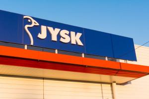 Pikieta pod siedzibą JYSK w obronie zwolnionego związkowca. Mamy stanowisko spółki