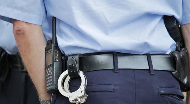 Komendant komisariatu policji przesadził na imprezie. Zrezygnował ze stanowiska