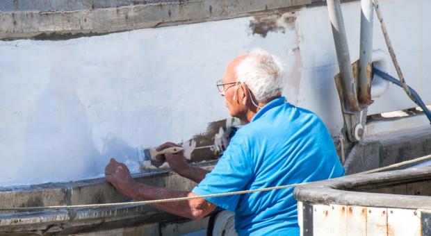 Z niższego wieku emerytalnego skorzystało 489,1 tys. osób