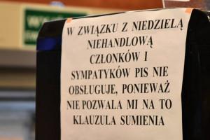 Franczyzobiorca Żabki nie obsługiwał zwolenników PiS. Sieć reaguje