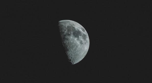Japoński miliarder Yusaku Maezawa poleci dookoła Księżyca