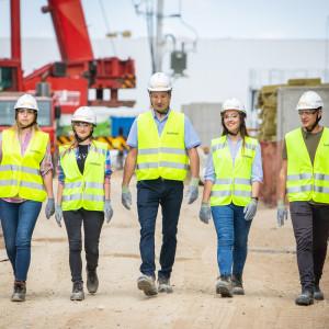 Młodzi w Polsce marzą o pracy w tych firmach