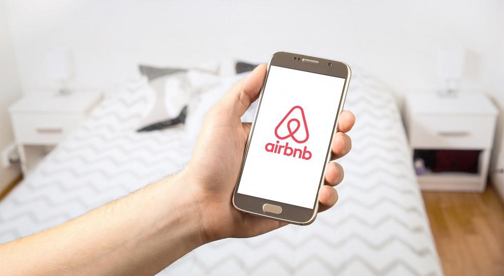 Airbnb ugina się przed unijnymi urzędnikami. Będą zmiany w serwisie