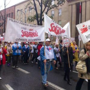 Związki zawodowe niepotrzebne? Polacy nie potrafią ocenić ich działania