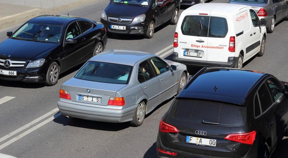9 na 10 kierowców aut służbowych przekracza dozwoloną prędkość
