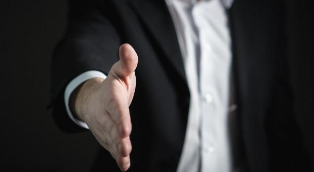 """Relacje urzędników i przedsiębiorców coraz lepsze? """"Jeżeli ktoś nie ma nic na sumieniu, to nie ma się co bać urzędu"""""""