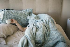Polacy częściej chorują w wakacje. Najnowsze dane