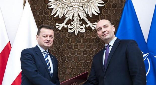 Sebastian Chwałek nowym prezesem Polskiej Grupy Zbrojeniowej. Zrezygnował z pracy w MON