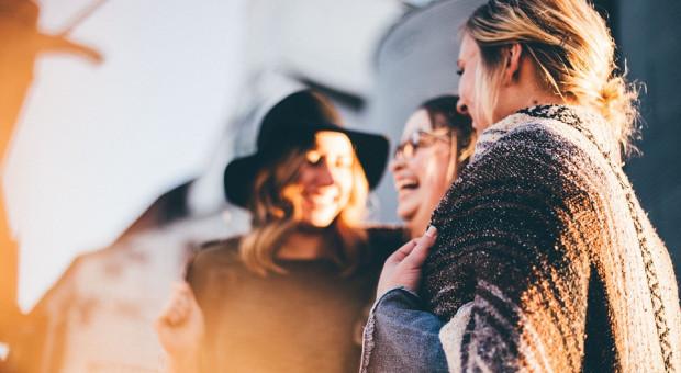 Sondaż CBOS: Kobiety nie mają złudzeń, że zarabiają mniej