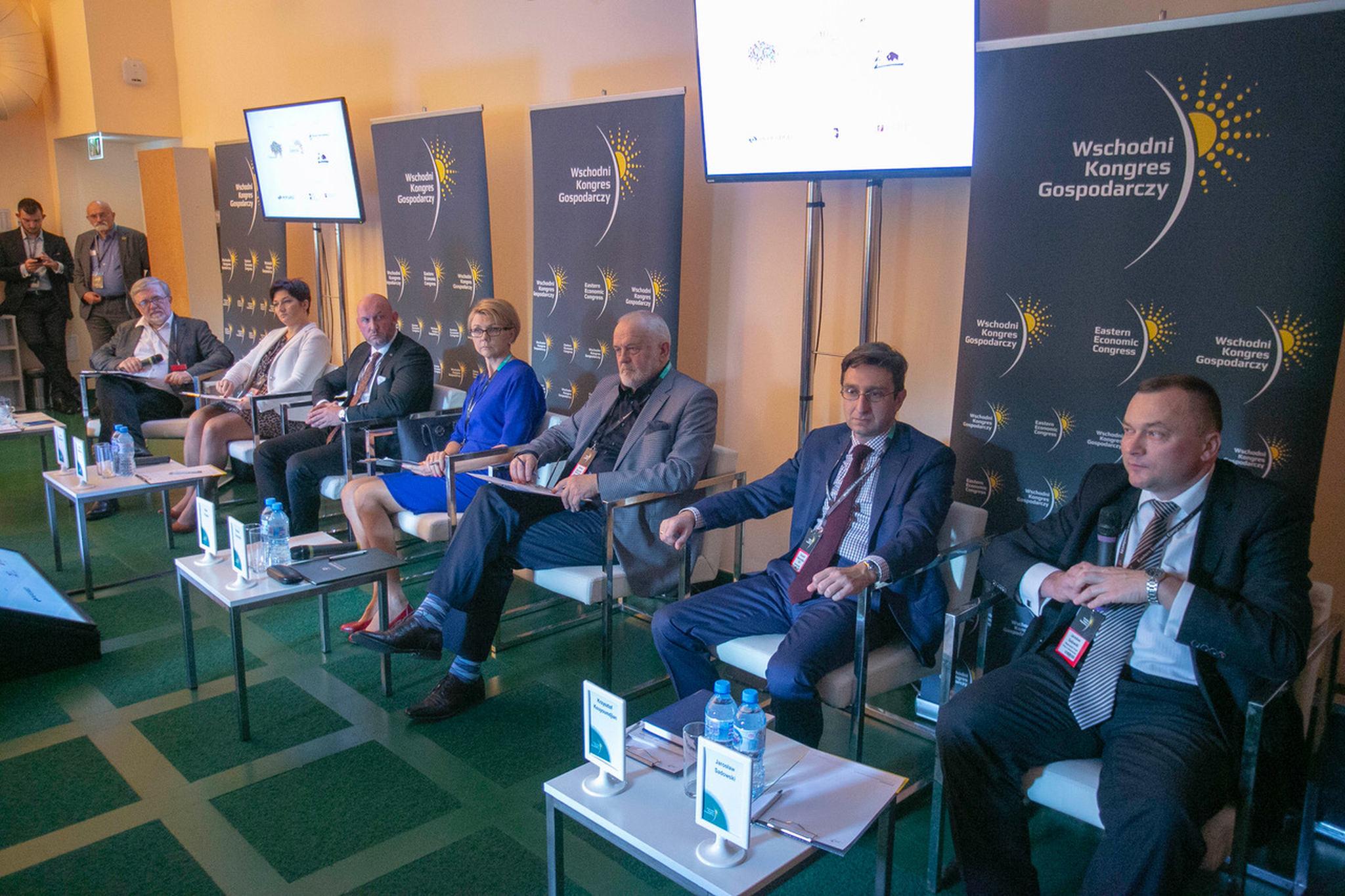 Od prawej siedzą: Jarosław Sadowski, Krzysztof Kouyoumdjian, Roman Kaczyński, Ewa Frołow, fot. PW/PTWP