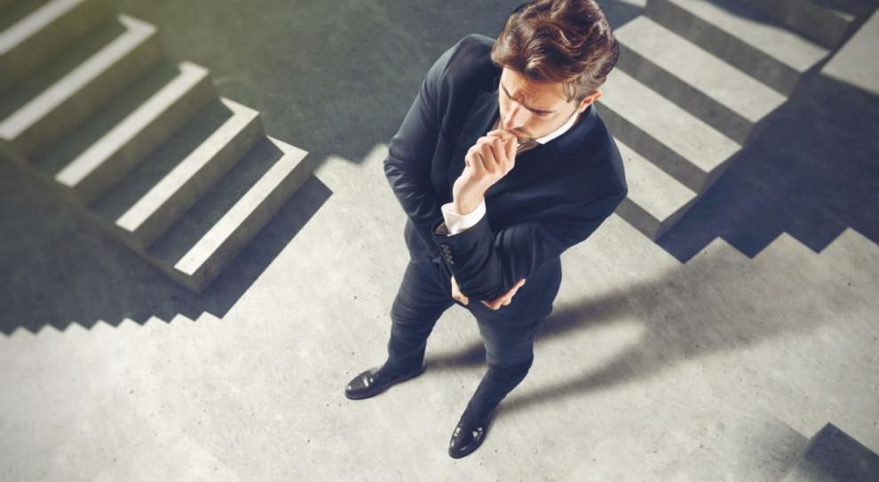 Przebranżowienie sposobem na większe zarobki. Jak zmienić zawód?