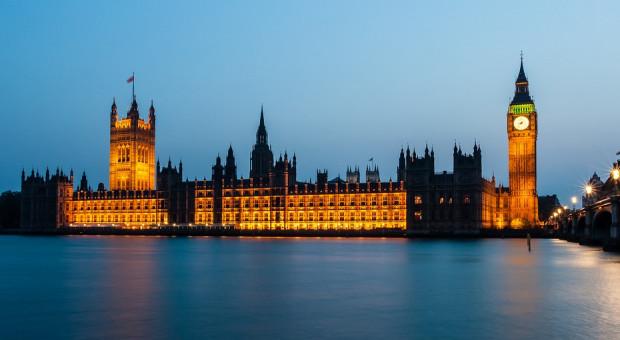 Mobbing, nękanie i molestowanie. Fatalne wyniki audytu w brytyjskim parlamencie