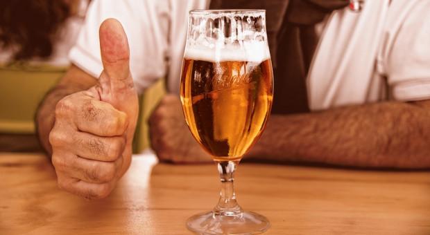 Siedzieć w barze, pić piwo i... zarabiać. Jest kolejna praca marzeń