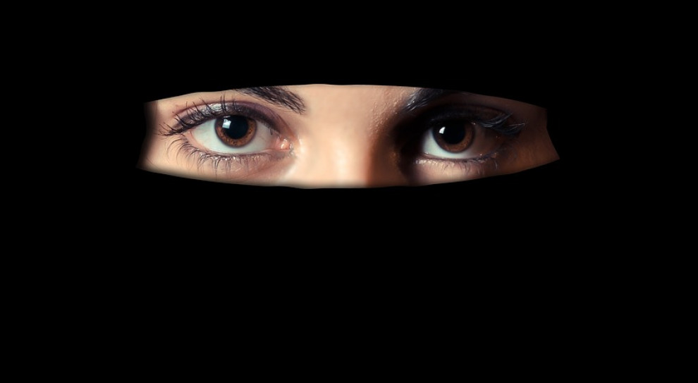 W Algierii zakaz noszenia burek i nikabów w miejscach pracy