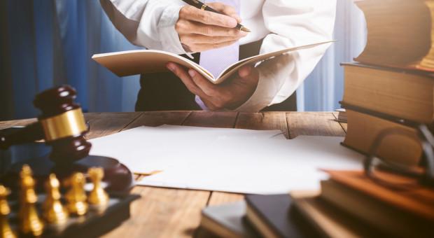 Katalog nietypowych benefitów coraz grubszy. Darmowa opieka prawna będzie standardem?