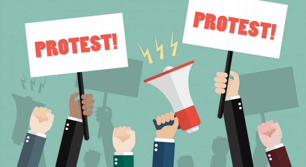 Pracownicy sprzeciwiają się rządowym planom. Organizują strajk