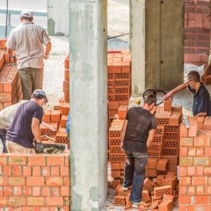 Ukraińcy nielegalnie pracowali na budowie w Żarach