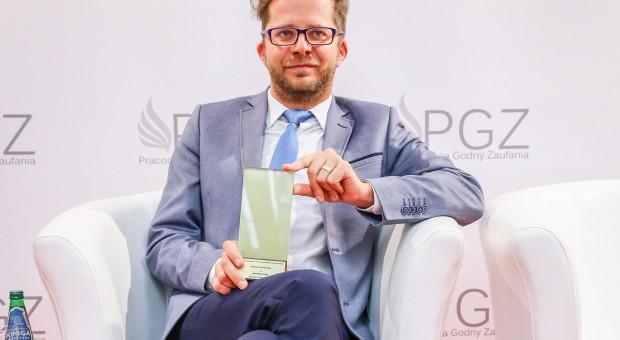 Dziennikarz PulsHR Bartosz Dyląg nagrodzony za promowanie dobrych praktyk pracowniczych