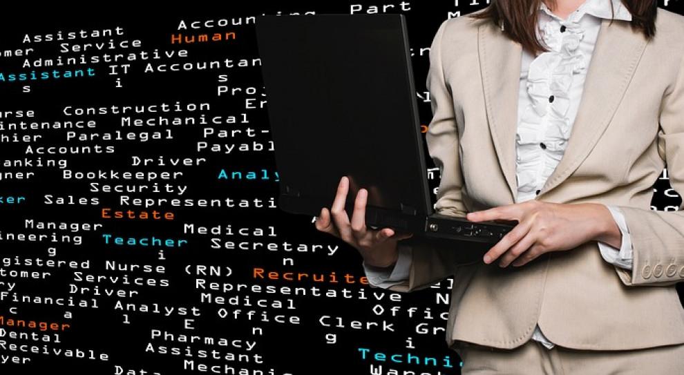 Cyberbezpieczeństwo z wakatami. Praca szuka kobiet, ale czy one szukają takiej pracy?
