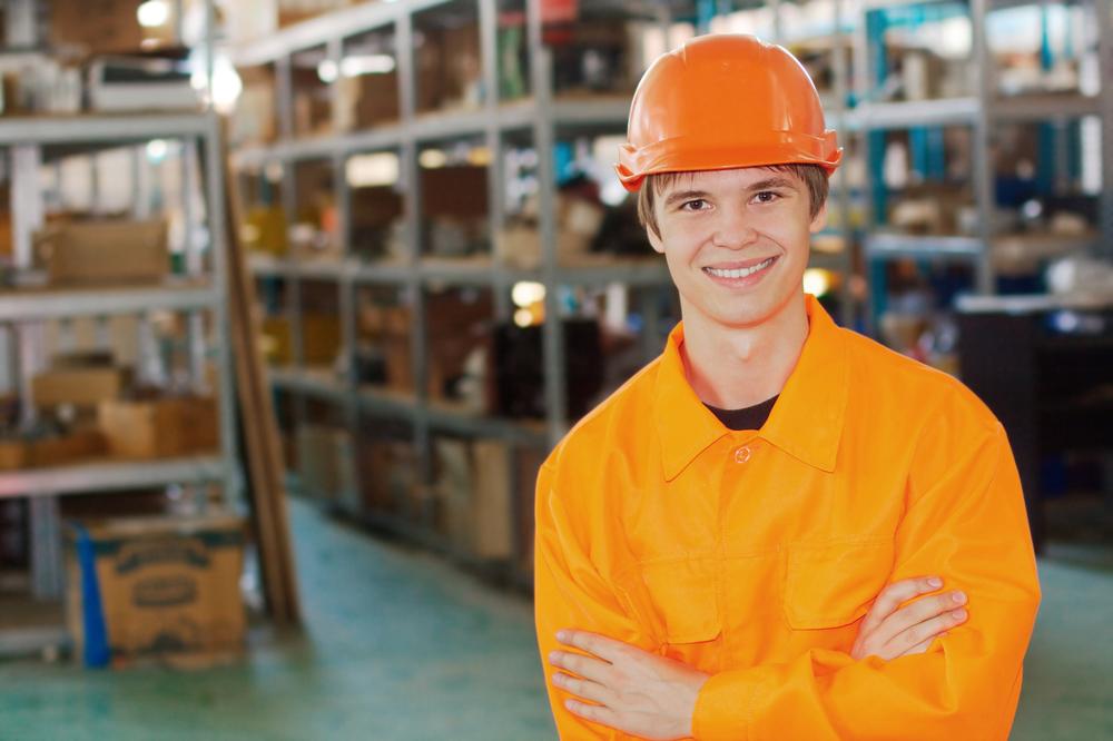 Od września 2018 roku zmienił się próg wiekowy, od którego można podjąć pracę zarobkową. Do tej pory za pracowników młodocianych uznawano osoby od 16 roku życia, jednak po wejściu w życie reformy edukacji dolny próg zmieniono na 15 rok życia. fot. shutterstock