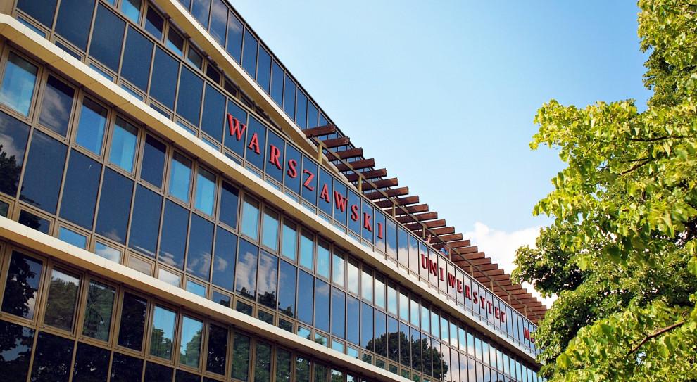 Związkowcy protestowali pod Warszawskim Uniwersytetem Medycznym